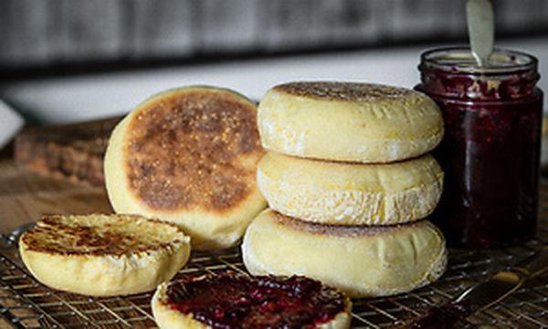 Συνταγή για english muffins - Αφράτα και πολύ νόστιμα (vid)