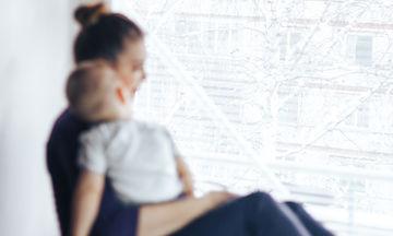 Η ψυχολογία της μαμάς, μετά την εγκυμοσύνη: Σημάδια που πρέπει να προσέξει