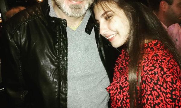 Έλληνας παρουσιαστής δημοσίευσε φωτογραφία με την 16χρονη κόρη του (pics)