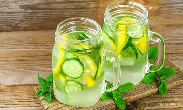 Detox συνταγές με νερό: Απλές και αποτελεσματικές (vid)
