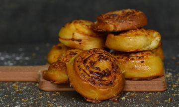 Cheddar rolls - Μια λαχταριστή συνταγή από τον Γιώργο Τσούλη!