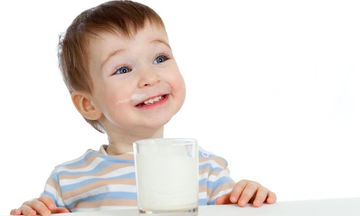 Μια μαμά απορεί: «Γιατί το παιδί μου αποφεύγει το γάλα;»