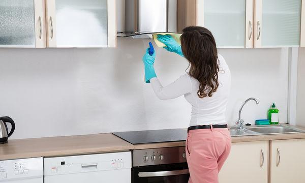 Πώς να καθαρίσετε αποτελεσματικά τα μεταλλικά φίλτρα του απορροφητήρα (vid)