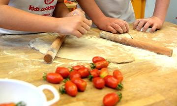 Ας μαγειρέψουμε... παίζοντας: Αυτοί είναι οι τυχεροί που κερδίζουν μια θέση στο open cooking class