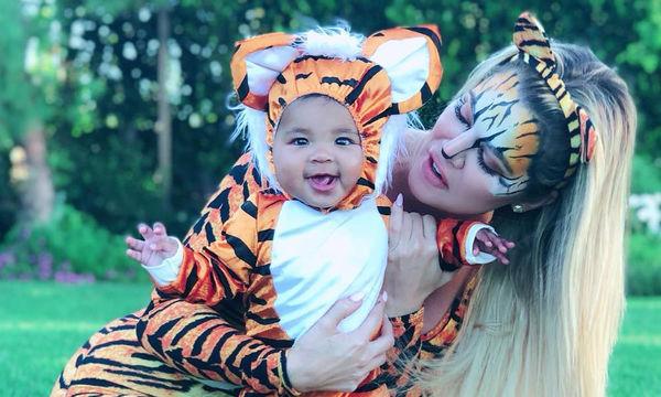 Khloe Kardashian: «Λιώσαμε» με τις μεταμφιέσεις της κόρης True Thompson!