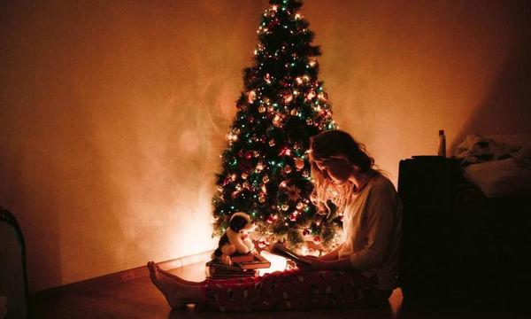 Tι θα συμβεί στην ψυχολογία σου αν στολίσεις από τον Νοέμβριο για τα Χριστούγεννα;