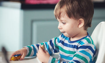 Πώς θα σώσετε το παιδί σας που πνίγεται - Το βίντεο που πρέπει να δουν όλοι οι γονείς
