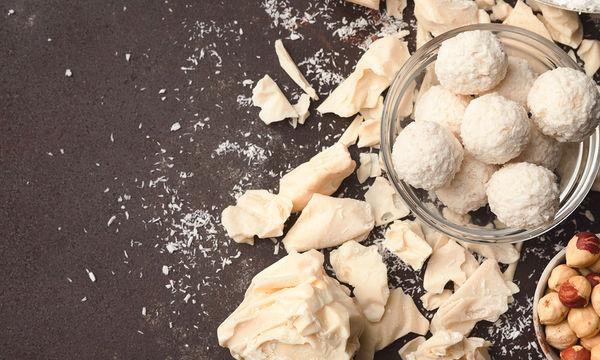 Μια φανταστική συνταγή για τρουφάκια με μόνο 3 υλικά! (vid)