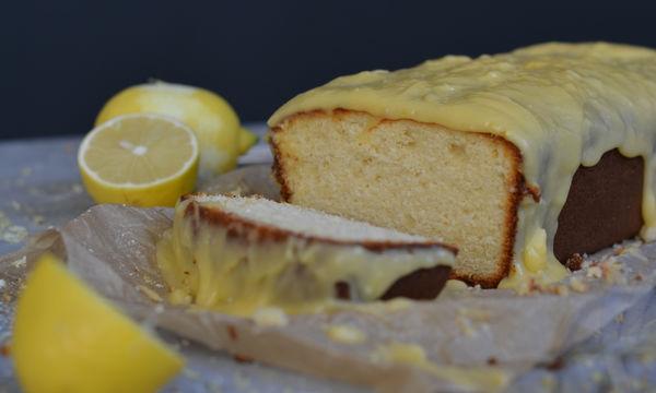 Κέικ λεμόνι με γλάσο λεμονιού