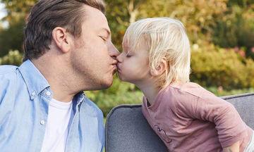 Jamie Oliver: Ο σύγχρονος Christopher Robin και η ζωή του που μοιάζει με λονδρέζικο παραμύθι (pics)