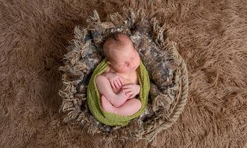 17 πράγματα που δεν πρέπει να κάνετε ποτέ σε ένα μωρό, ακόμη κι αν σας λένε πως πρέπει (vid)