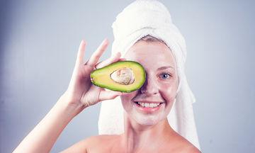 Ομορφιά στην εγκυμοσύνη: Κάντε το δέρμα σας να λάμψει με αυτή τη σπιτική μάσκα αβοκάντο (vid)