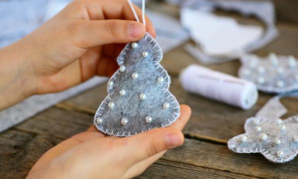 Φτιάξτε χριστουγεννιάτικα στολίδια με τα παιδιά σας από τσόχα (pics)