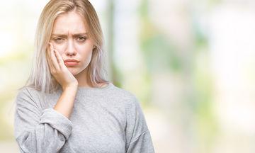 Πρησμένα ούλα κατά τη διάρκεια της εγκυμοσύνης: Γιατί συμβαίνει και τι να κάνετε