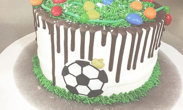 Εντυπωσιακές τούρτες με θέμα το ποδόσφαιρο! (pics)