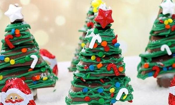 Δώδεκα χριστουγεννιάτικα γλυκά για παιδιά σε ένα βίντεο (vid)