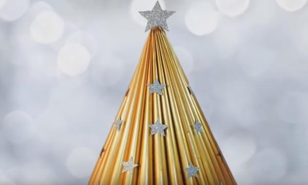 Χριστουγεννιάτικα στολίδια από ανακυκλώσιμα υλικά (vid)