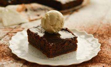Συνταγή για σοκολατόπιτα με 6 υλικά