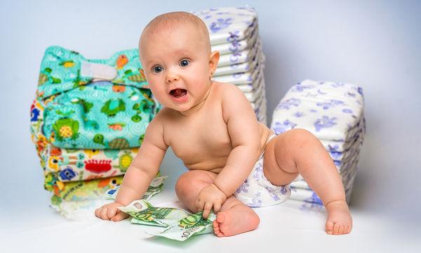 Η μπέμπα θέλει λεφτά... και όχι παιχνίδια (vid)