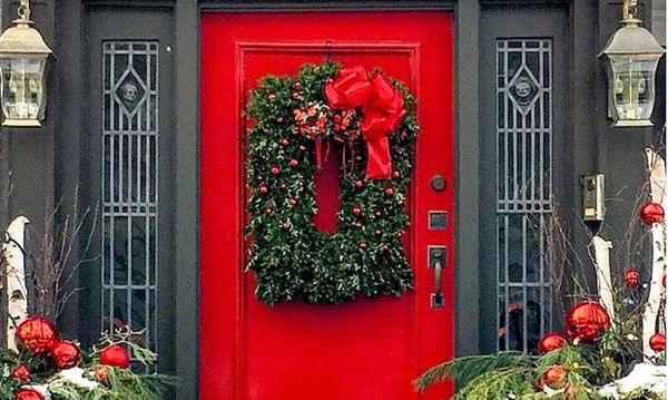 Χριστουγεννιάτικη διακόσμηση πόρτας: Είκοσι μοναδικές ιδέες για όλα τα γούστα (pics)