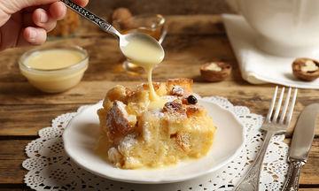 Πουτίγκα με τσουρέκι: Ιδανικό για το οικογενειακό πρωινό τις ημέρες των εορτών (vid)