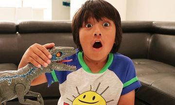 Επτάχρονος YouTuber έβγαλε μόλις σε ένα χρόνο 22 εκατ. δολάρια! (vid)