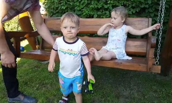 Το κοριτσάκι προσπάθησε να τον φιλήσει, το αγόρι όμως... (vid)