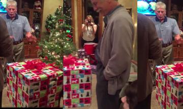 Άνοιξε το χριστουγεννιάτικο δώρο του και δεν πίστευε στα μάτια του (vid)