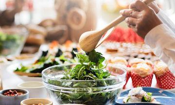 Μήπως τελικά η σαλάτα δεν είναι τόσο διαιτητική όσο πιστεύεις;