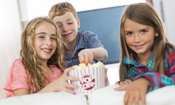 Καραμελωμένα pop corn: Γευστικό σνακ για παιδιά για τις χριστουγεννιάτικες βραδιές ταινίας