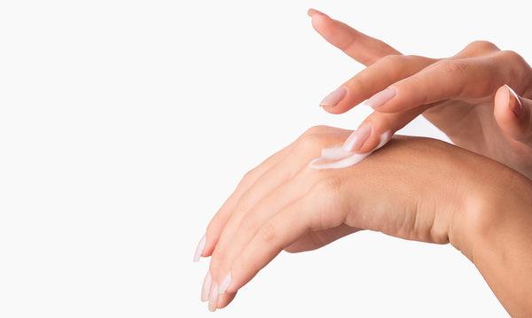 Θρεπτική μάσκα χεριών από πατάτα: Θεραπεία και ανακούφιση για τις ξηρές επιδερμίδες