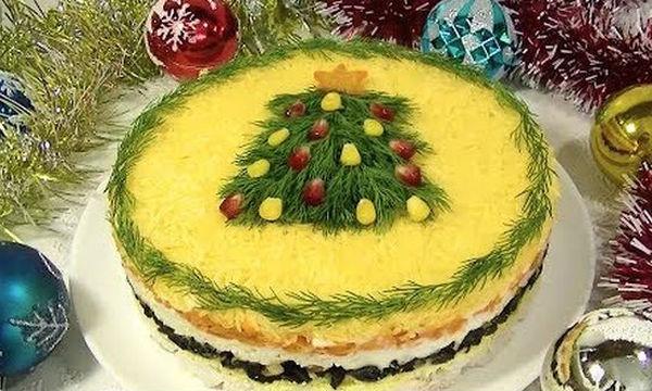 Εντυπωσιακή σαλάτα «Χριστουγεννιάτικο δέντρο» με κοτόπουλο (vid)