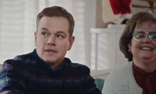 Το ξεκαρδιστικό βίντεο του Matt Damon δείχνει ακριβώς πώς περνούν τα Χριστούγεννα οι γονείς (vid)