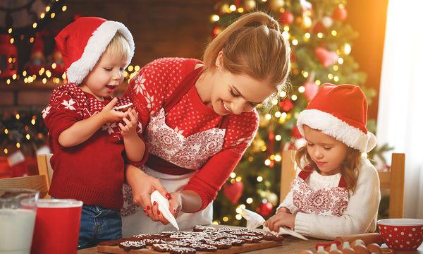Πώς θα καταφέρω να μην φάει πολλά γλυκά το παιδί μου στις γιορτές;