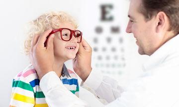 Σημάδια που δείχνουν ότι το παιδί  σας μπορεί να έχει προβλήματα όρασης