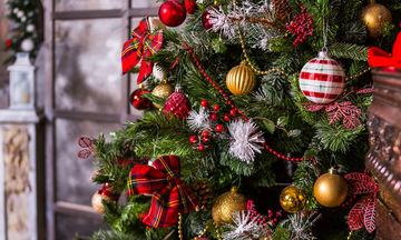 Πώς να ξεστολίσετε και να αποθηκεύσετε τα χριστουγεννιάτικα στολίδια