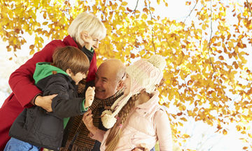 Οι παππούδες και οι γιαγιάδες έχουν δικαίωμα επικοινωνίας με τα εγγόνια