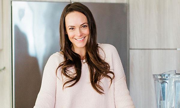 Kelly LeVeque: 5 tips αυτο-φροντίδας για νέες μητέρες από τη σύμβουλο ευεξίας των διασήμων (pics)