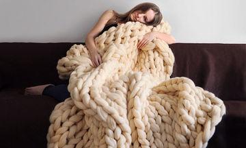 Πώς θα φτιάξετε μέσα σε 4 ώρες αυτή τη γιγάντια κουβέρτα (pics+vid)