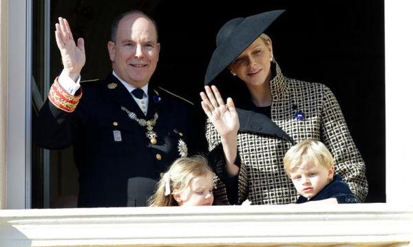 Αυτά είναι τα βασιλικά δίδυμα που εκθρονίζουν λόγω cuteness τον George και τη Charlotte