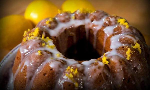 Μυρωδάτο κέικ λεμόνι - Εύκολο και γρήγορο (vid)