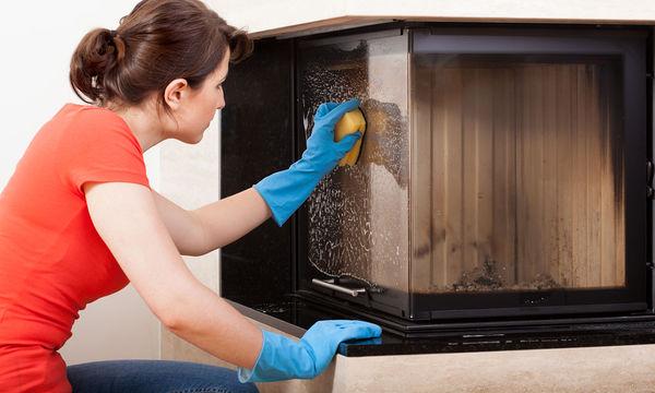 Πώς να καθαρίσετε το τζάκι σας με καθαριστικά που θα φτιάξετε μόνες σας