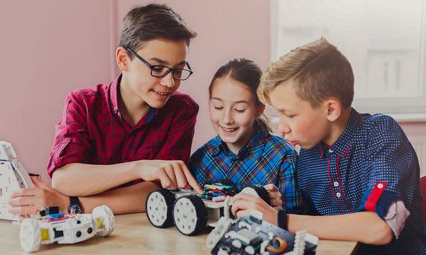 Εργαστήρια S.T.E.A.M. & Ρομποτικής για παιδιά στο Mediterranean Cosmos