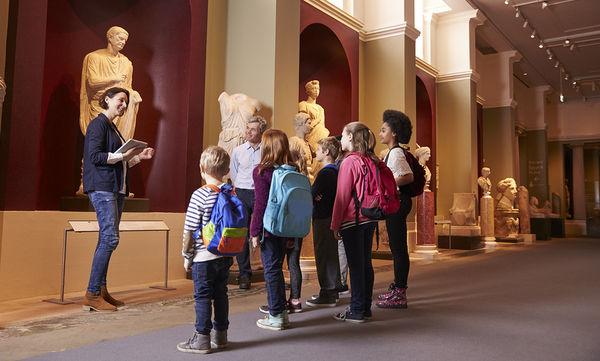 Βόλτα στο μουσείο με τα παιδιά: Πώς να μην είναι μια… βαρετή εμπειρία!