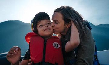 Όμορφες φωτογραφίες μαμάδων με τους γιους τους. Μια μοναδική σχέση (pics)