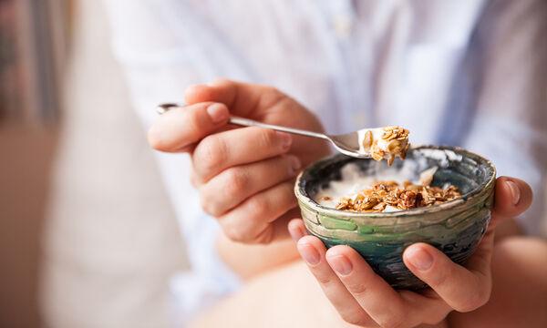 Panic Diet: Χάστε 3 κιλά σε μια εβδομάδα με δημητριακά και ξηρούς καρπούς