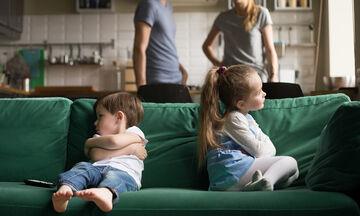 Ζήλια μεταξύ μεγαλύτερου και μικρότερου παιδιού: Πώς να την αντιμετωπίσετε