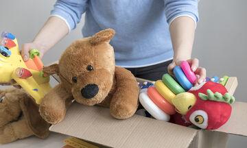 Πώς να καθαρίσετε εύκολα και γρήγορα τα παιδικά παιχνίδια