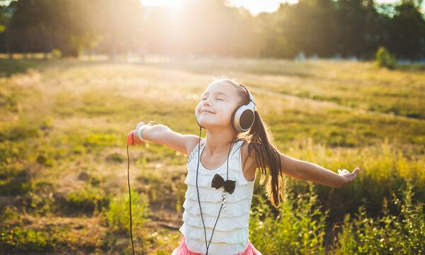 Η θεραπευτική επίδραση της μουσικής στα παιδιά και τους μεγάλους (vids)