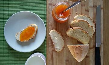 Συνταγή για σπιτική μαρμελάδα βερίκοκο με 4 υλικά